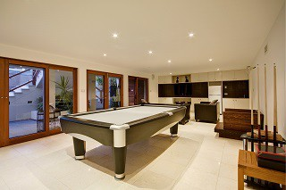 Professional pool table moves in San Francisco content image